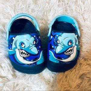 Boy's Light Up Shark Crocs Size 4/5 NWOT